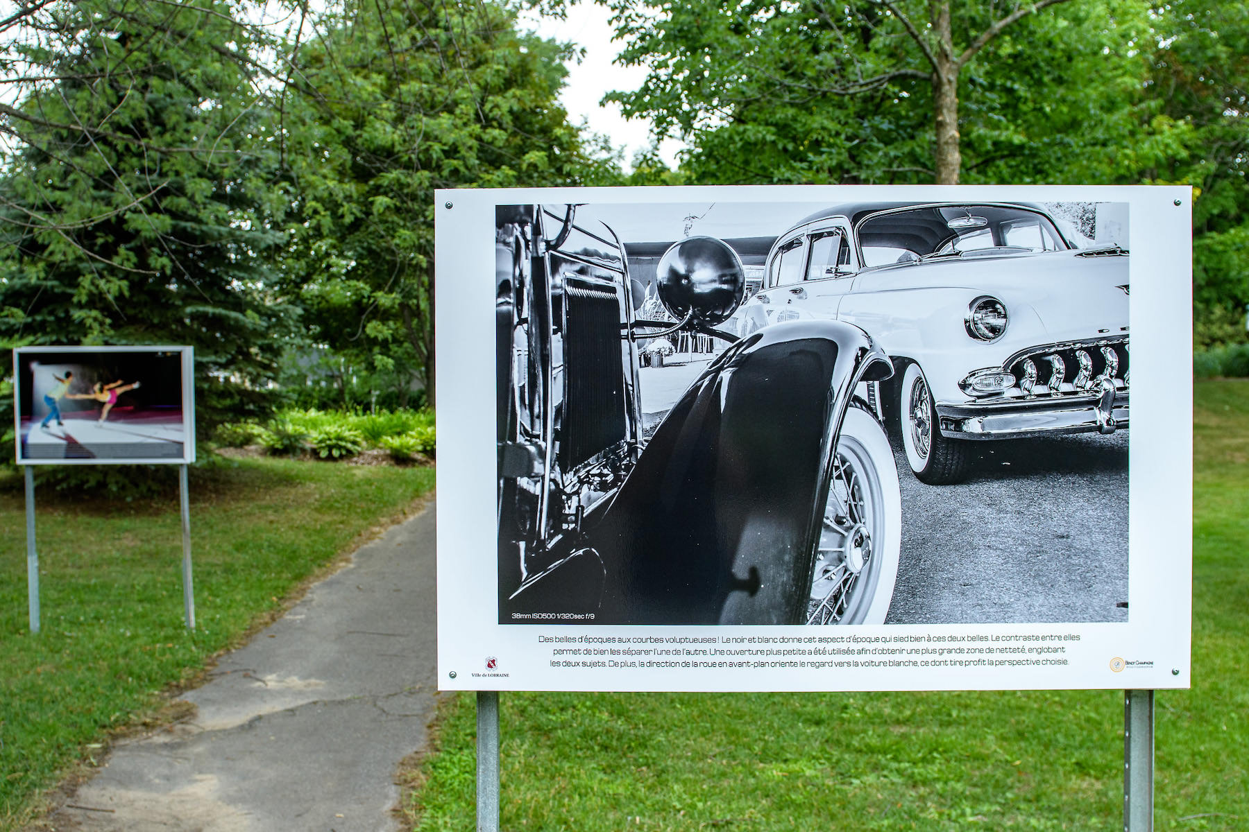 exposition ville Lorraine Old cars in black and white