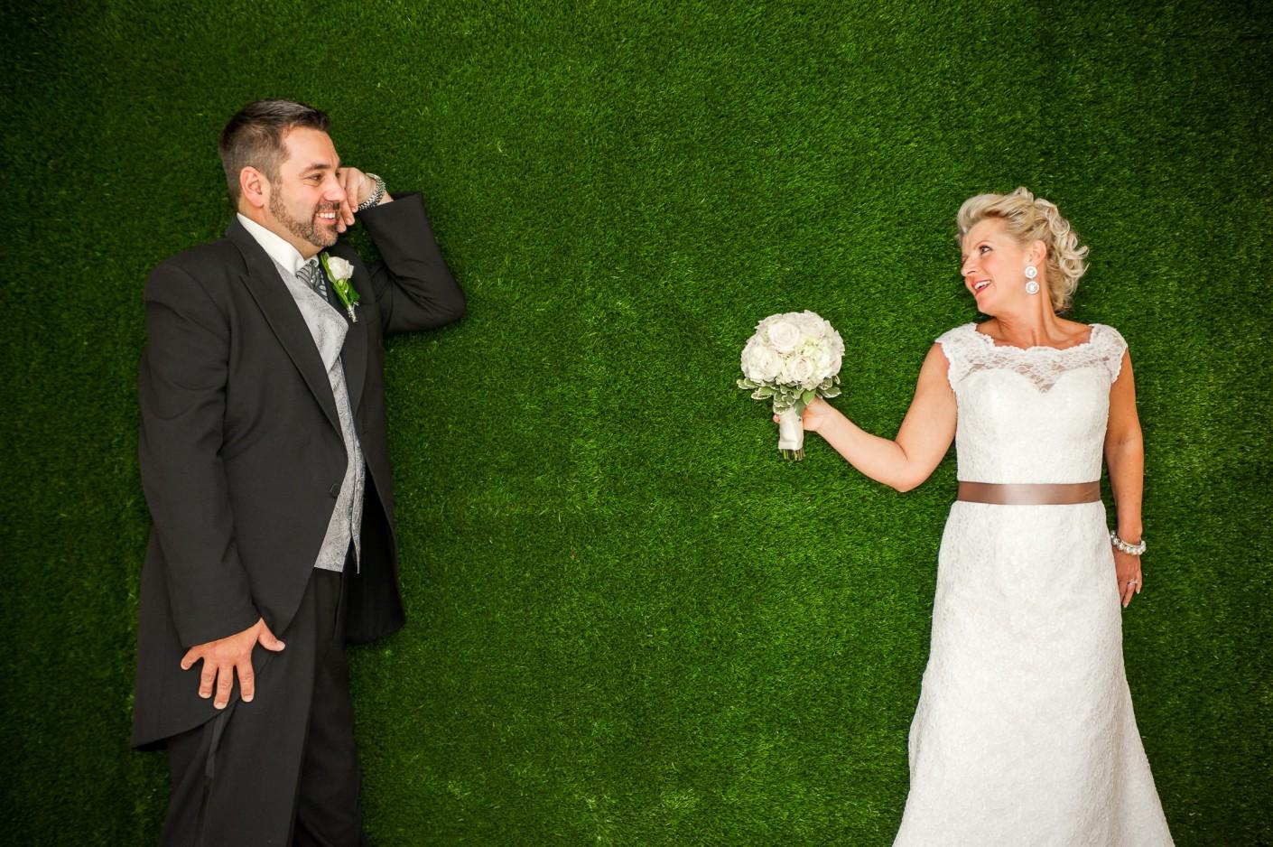 Mariage : Pause gazon -, KW: 6-PhotosCouple