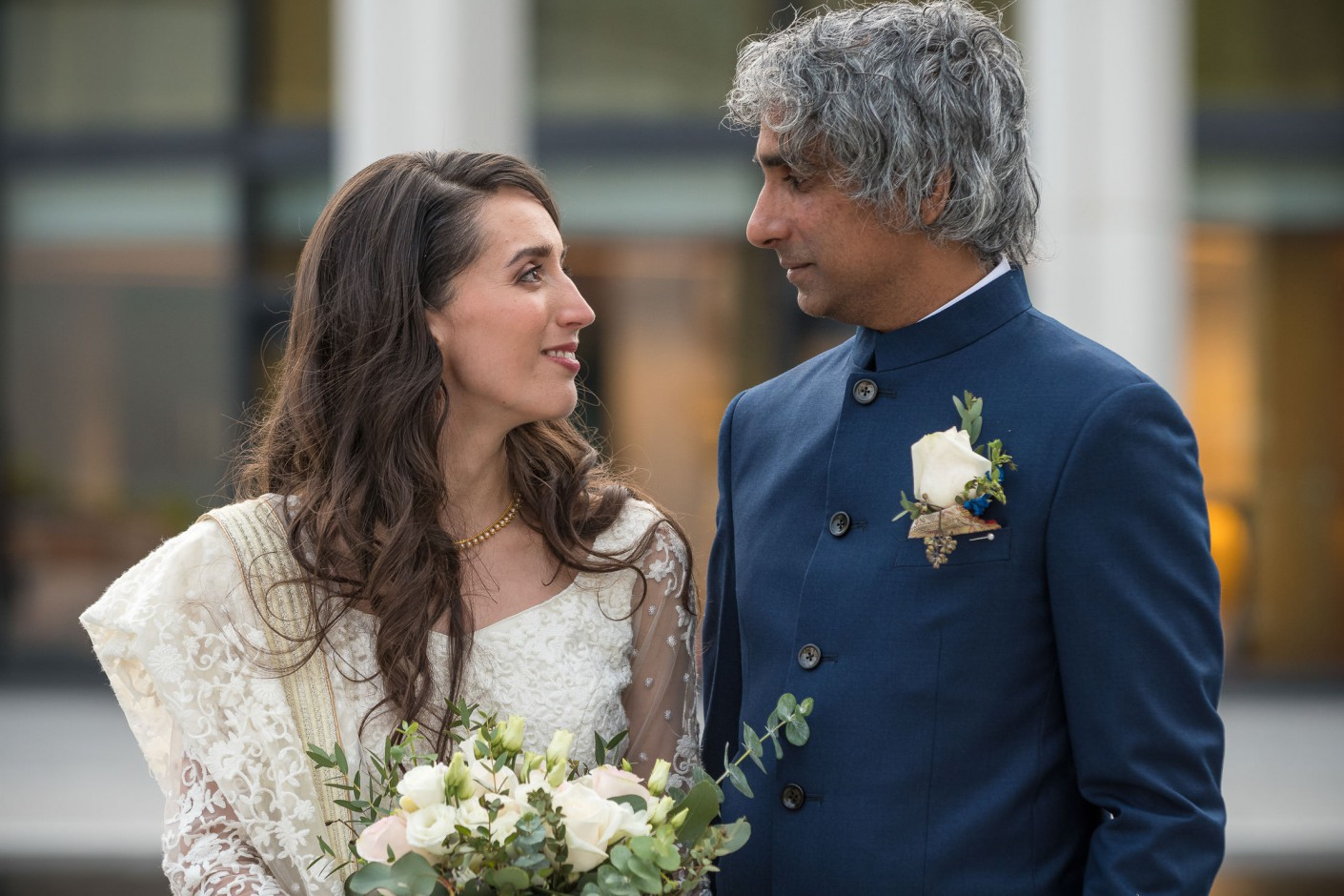 Mariage : Regards aimantés
