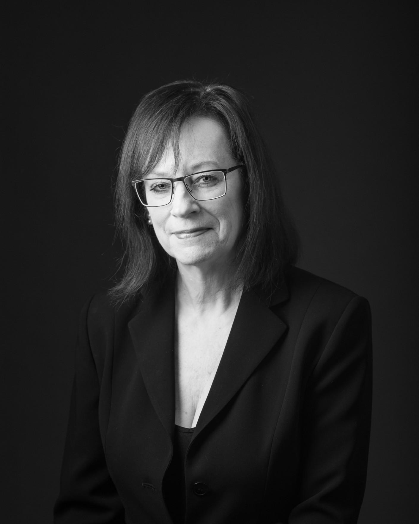 Casting : Sandra Penner -Chef de choeur Les chanteurs de Lorraine, KW:  Artiste, Musicien, Noir & Blanc