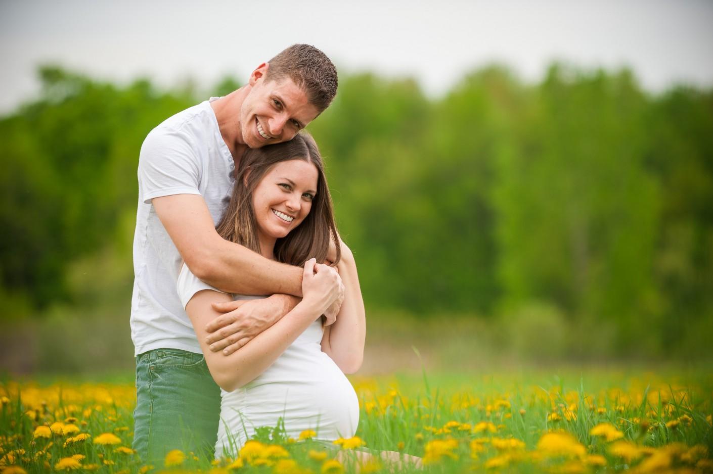 Maternité : Sourires lumineux du printemps -, KW: Bedaine, champs